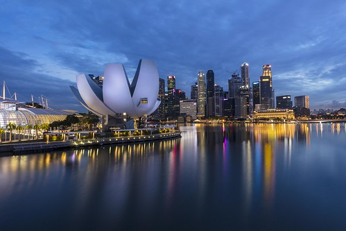 Blue Hour Reflections in Singapore Marina Bay | by yoosangchoo