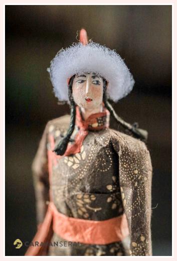 中国の少数民族 (蒙古・モンゴル族)| 紙人形作家、故「荻原敏子」氏の作品