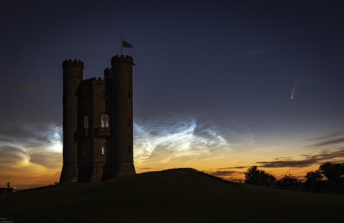 comet cometneowise cotswolds broadway broadwaytower space astro astrophotography stars noctilucentclouds sunrise nightphotography canon canonphotography nocs