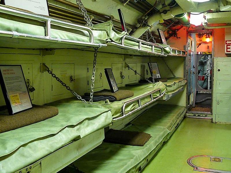 USS Becuna SS-319 3