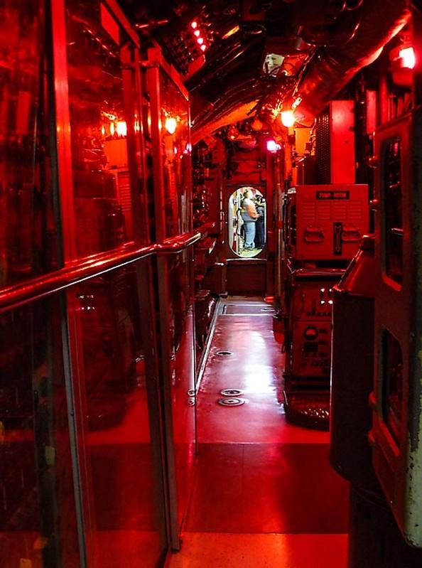 USS Becuna SS-319 2