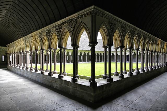 Le cloître // The cloister