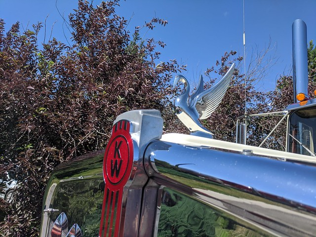 1982 Kenworth W900A Extended Hood