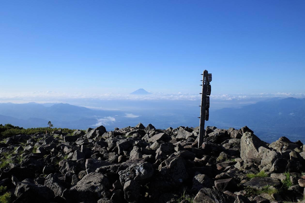 編笠山から眺める富士山