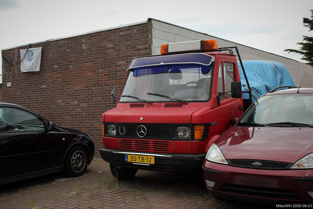 Mercedes TN 307D oprijwagen 1980 (35-TB-12)