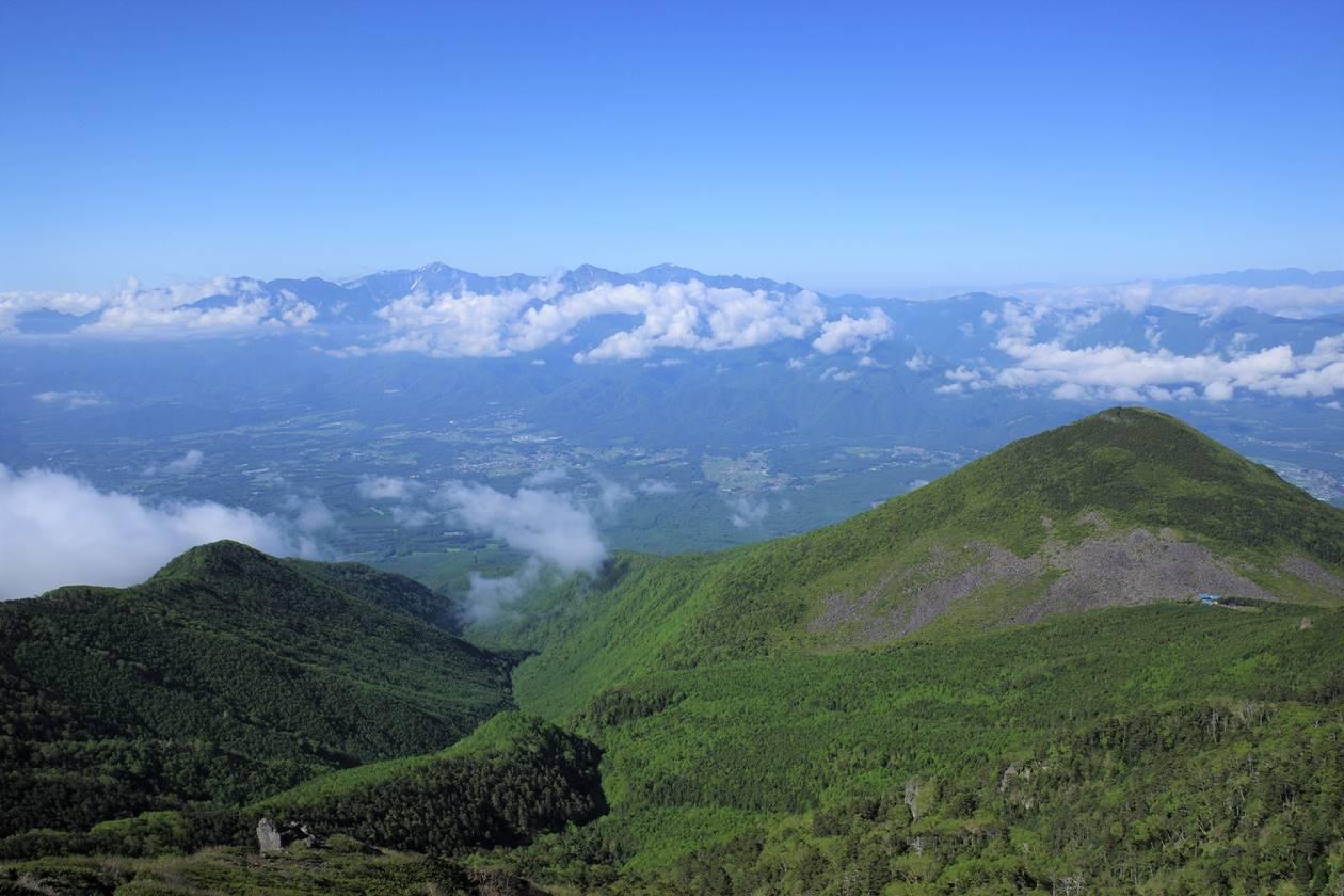 権現岳山頂から眺める編笠山と南アルプス