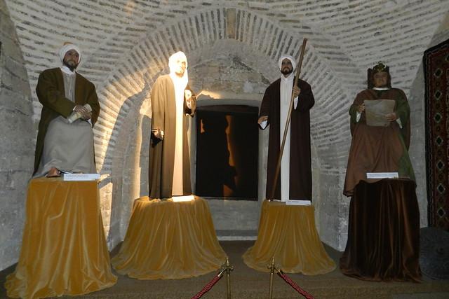 Sala de los filosofos estatuas Museo Vivo de Al-Andalus Torre de Calahorra Cordoba