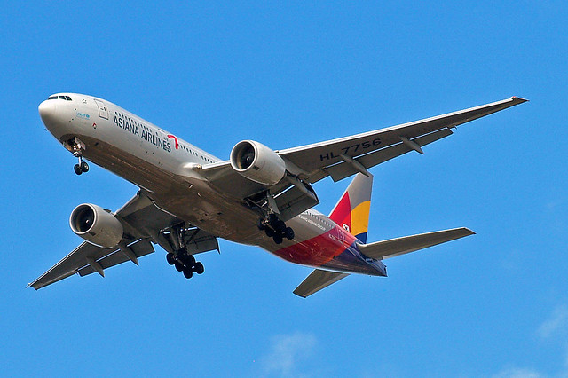 HL7756   Boeing 777-28EER [30860] (Asiana Airlines) Home~G 29/08/2009