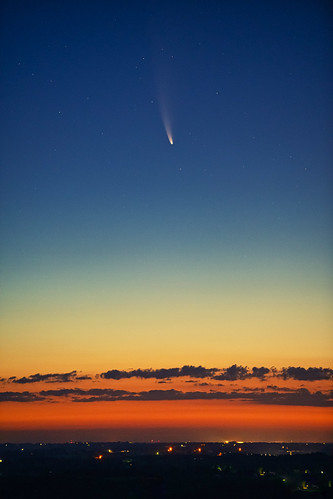 Comet Neowise passes over Kentucky