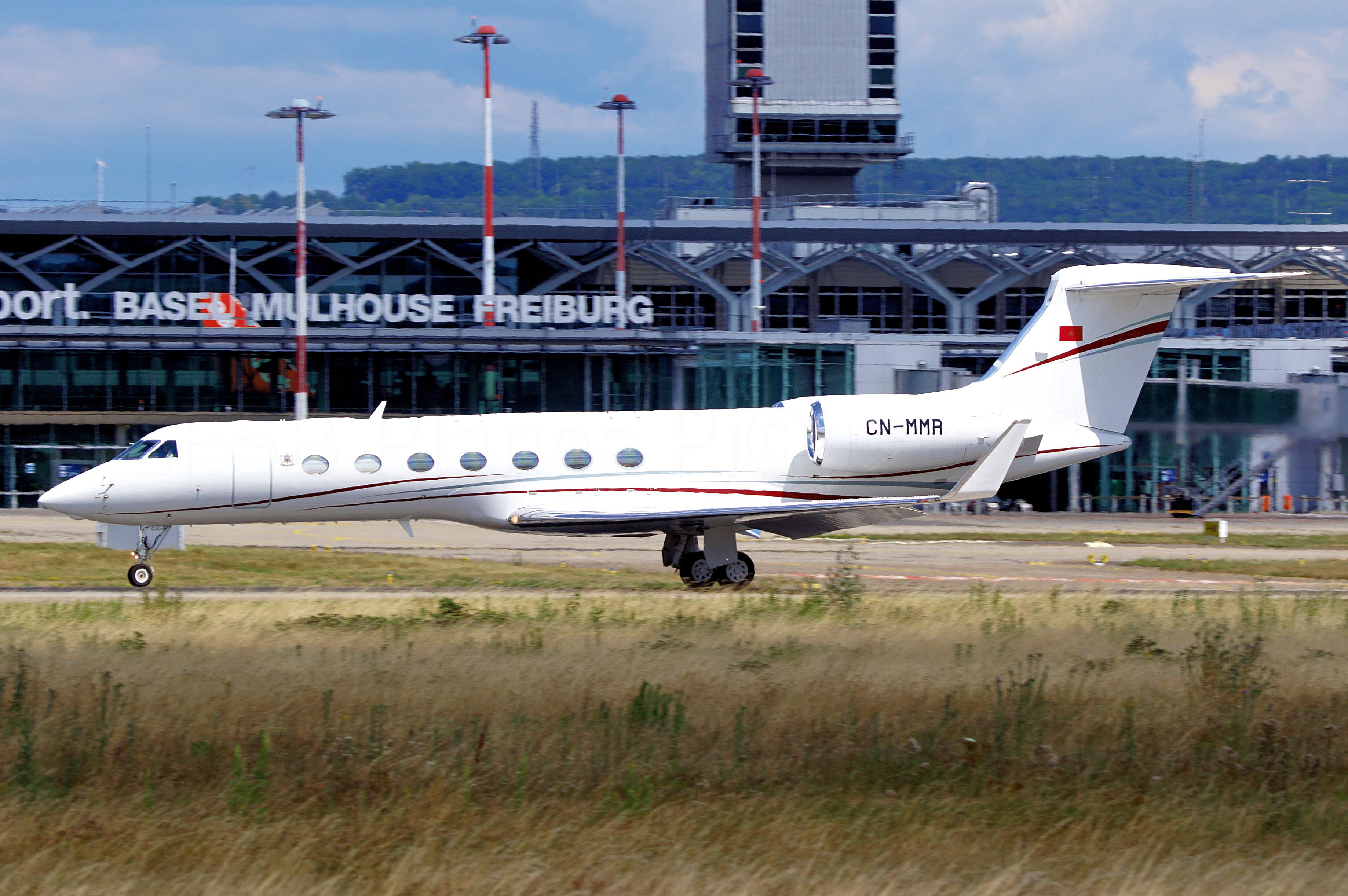 FRA: Avions VIP, Liaison & ECM - Page 24 50101618726_b6ce279ef6_o_d