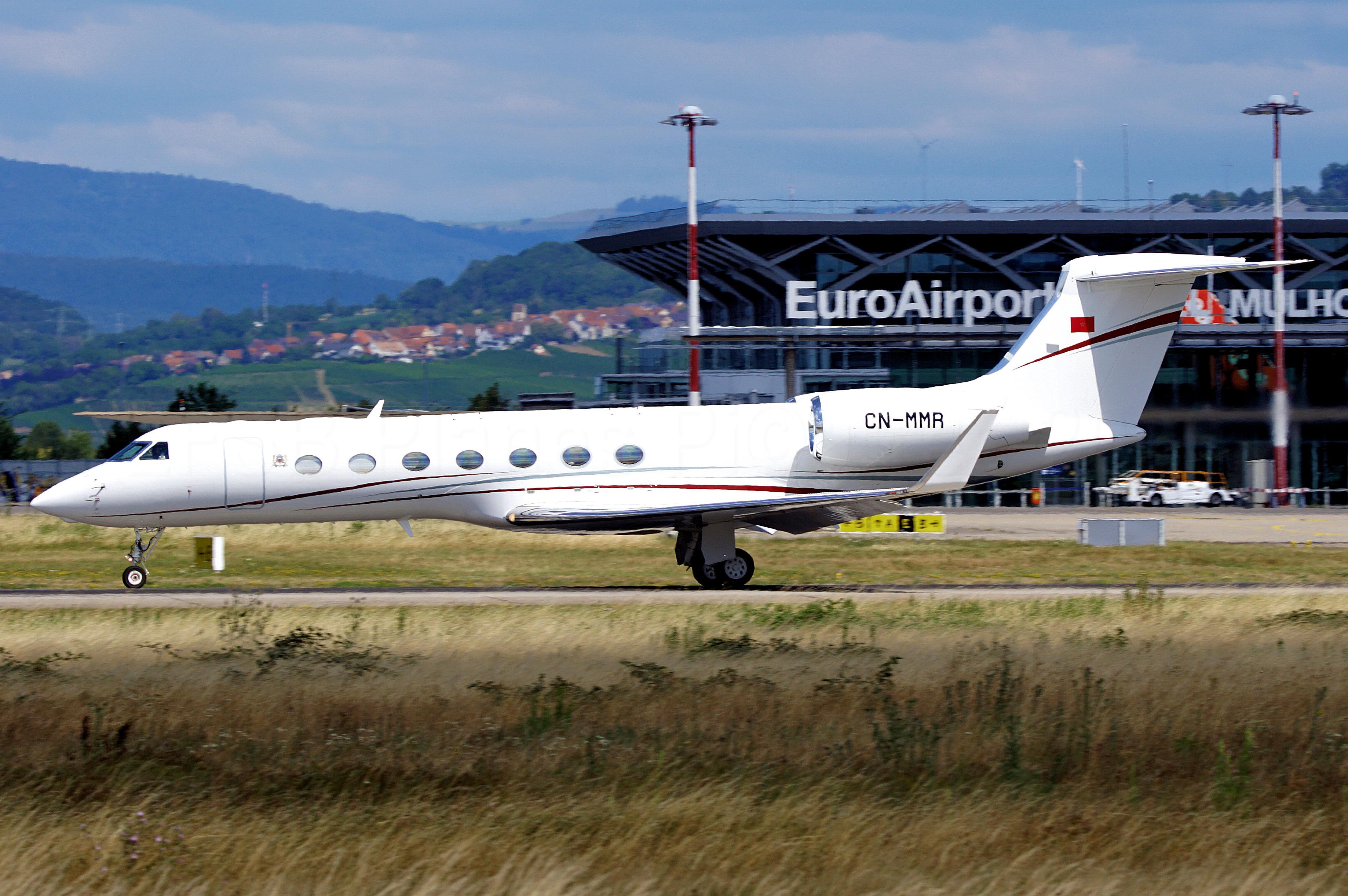 FRA: Avions VIP, Liaison & ECM - Page 24 50101618901_dd0713b561_o_d