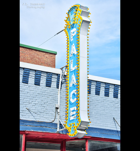 Palace Theatre sign - Gallatin, Tennessee