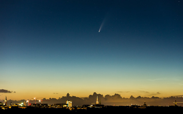 Comet C/2020 F3 (NEOWISE) and the towers of Copenhagen