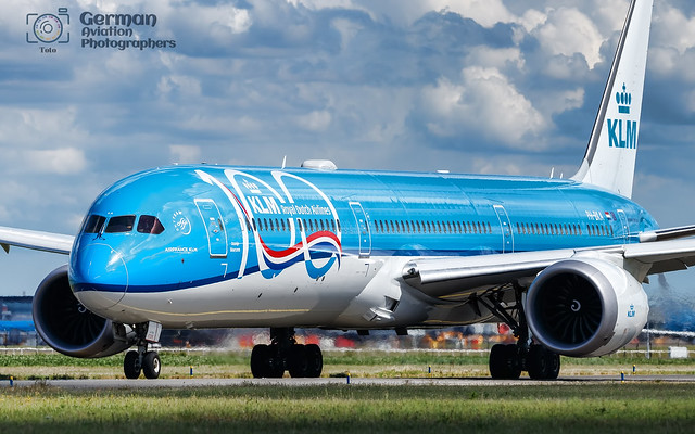 11.07.2020  PH-BKA KLM Royal Dutch Airlines Boeing 787-10 Dreamliner painted in