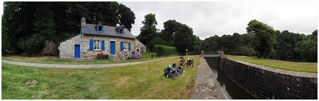 Chahumasy-2016-08-06-canal-(1)-pano-canal