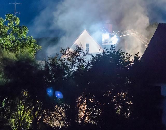 Fire in the neighbourhood - Feuer beim Nachbarn