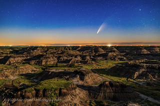 Comet NEOWISE over Horseshoe Canyon (July 11, 2020) | by Amazing Sky Photography