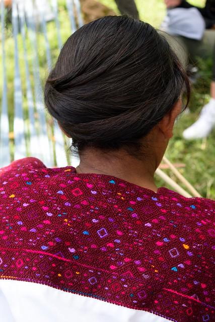 Colors of Chiapas #chiapas #girl #ingenous #colorfoul #textile #tradition #culture