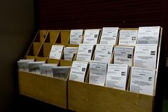 Una cabina preparada con las 15 papeletas