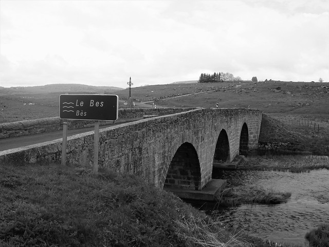 Le pont sur Le Bes  <> Bridge in France