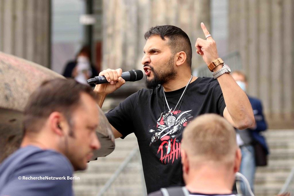11.07.2020 Berlin: Verschwörungsideologisch-antisemitische Kundgebung von Attila Hildmann