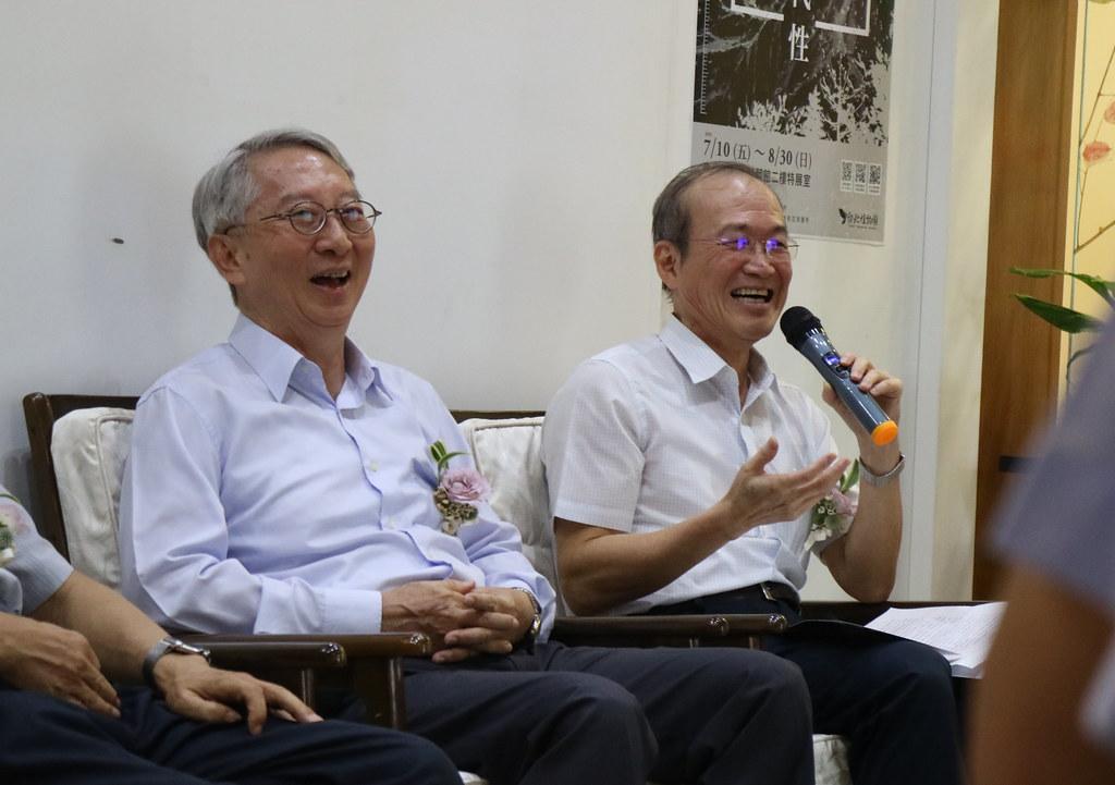 林試所所長張彬(圖右)認為農林業的科學性離不開航遙測技術。圖左為中國文化大學景觀系教授鄭祈全。林芊妤攝