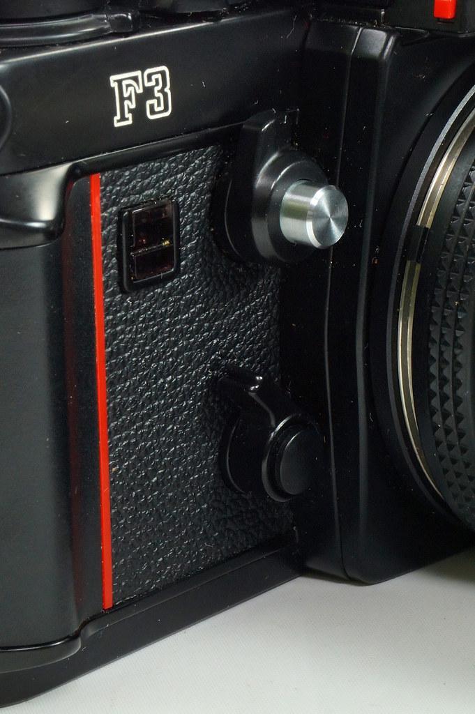RD30690 Nikon F3 35mm SLR Film Camera with Nikon Micro NIKKOR 55mm 1_2.8 DSC09103