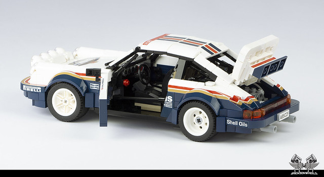 Porsche 911 SC/RS in Lego 1:14