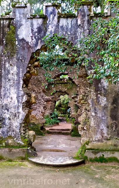 Ruínas da capela no jardim de Monserrate