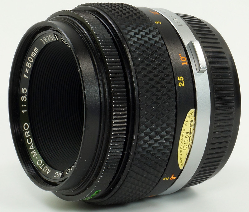 RD30691 Olympus OM System Zuiko MC Auto-Macro 50mm F3.5 Lens in Case, Focusing Screen & Angle View Finder DSC09111