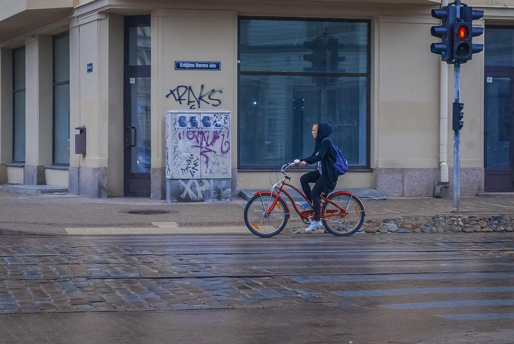 в Риге очень привлекательные велосипедистки 10:31:57 DSC_6555