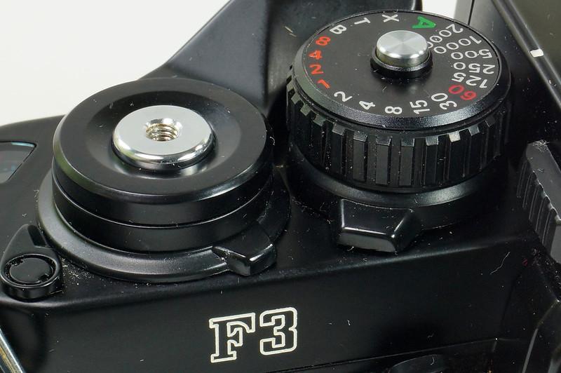 RD30690 Nikon F3 35mm SLR Film Camera with Nikon Micro NIKKOR 55mm 1_2.8 DSC09101