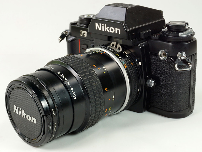 RD30690 Nikon F3 35mm SLR Film Camera with Nikon Micro NIKKOR 55mm 1_2.8 DSC09092