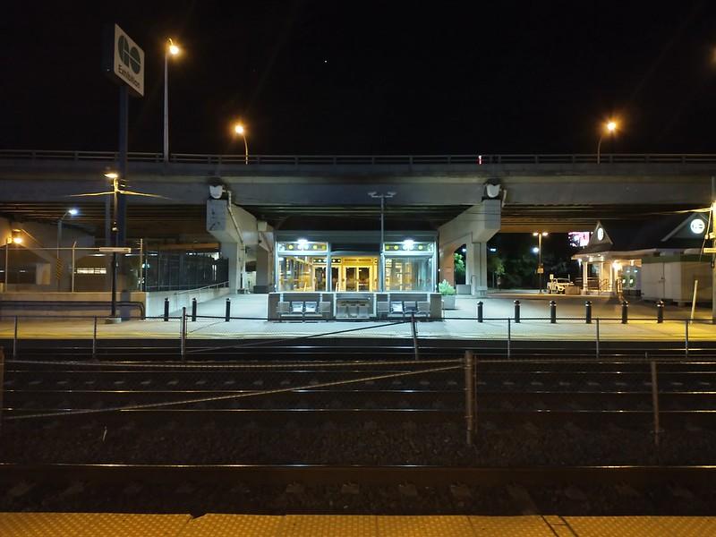 Looking south across the tracks #toronto #exhibitiongostation #rail #gardinerexpressway #night #gotransit