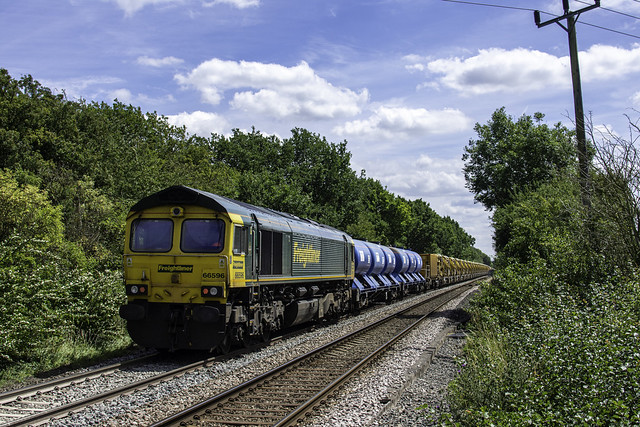 66414 tnt 66596 6Y11 Didcot East Jn to Whitemoor at Egleton Rutland with the HOBC and RHTT set