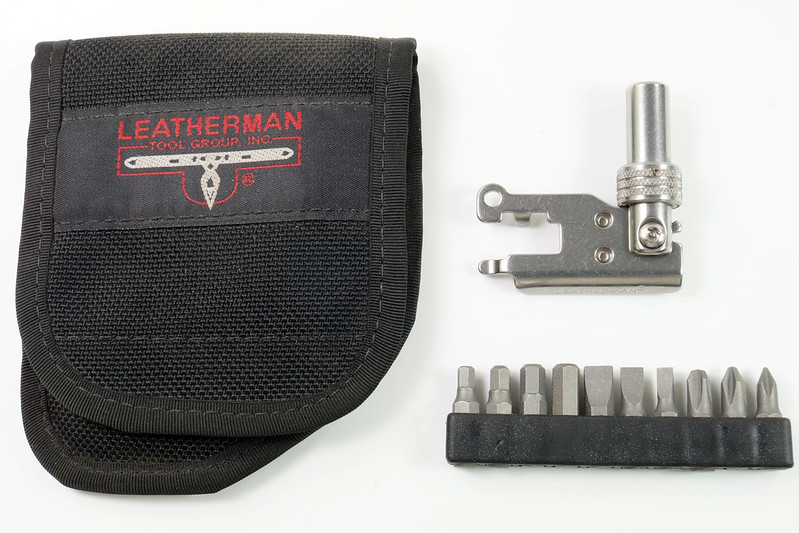 RD30669 Rare Leatherman Universal Tool Adapter with Bits in Leatherman Pouch DSC09119
