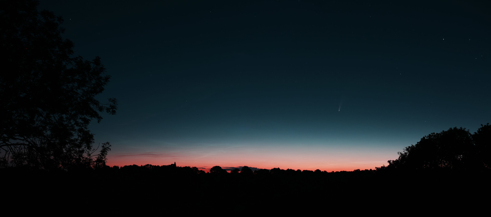 2020-07-12 Comet NEOWISE 01:52 UTC
