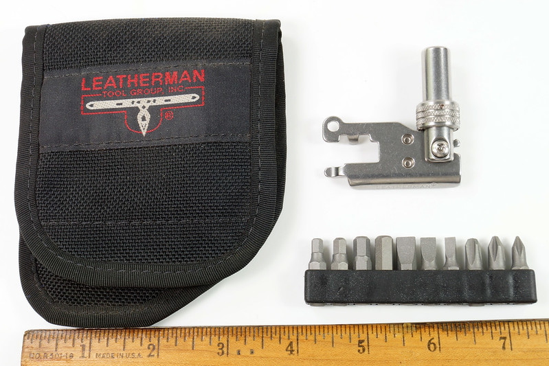 RD30669 Rare Leatherman Universal Tool Adapter with Bits in Leatherman Pouch DSC09118