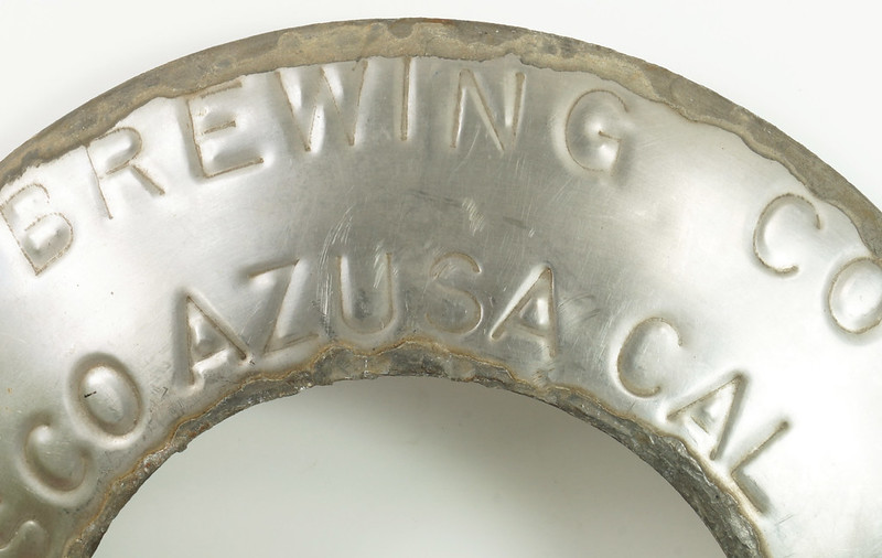RD30720 Vintage Lucky Lager Brewing Co. Metal Keg Seal San Francisco AZ CAL USA DSC09156
