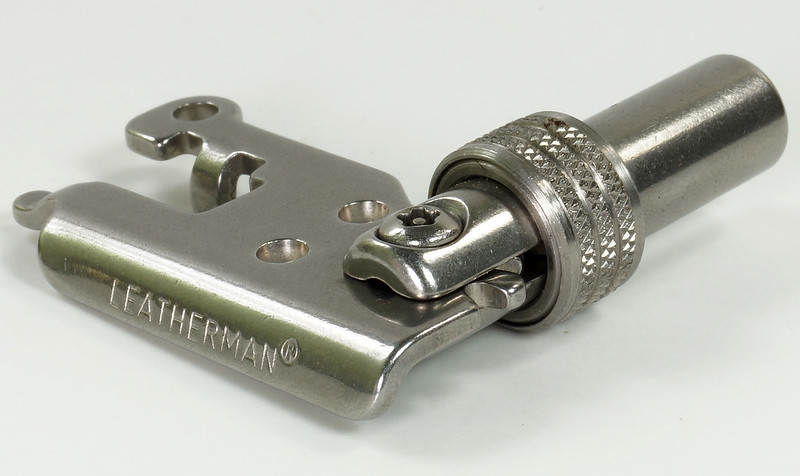 RD30669 Rare Leatherman Universal Tool Adapter with Bits in Leatherman Pouch DSC09127