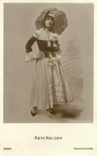 Asta Nielsen in Dora Brandes (1916)