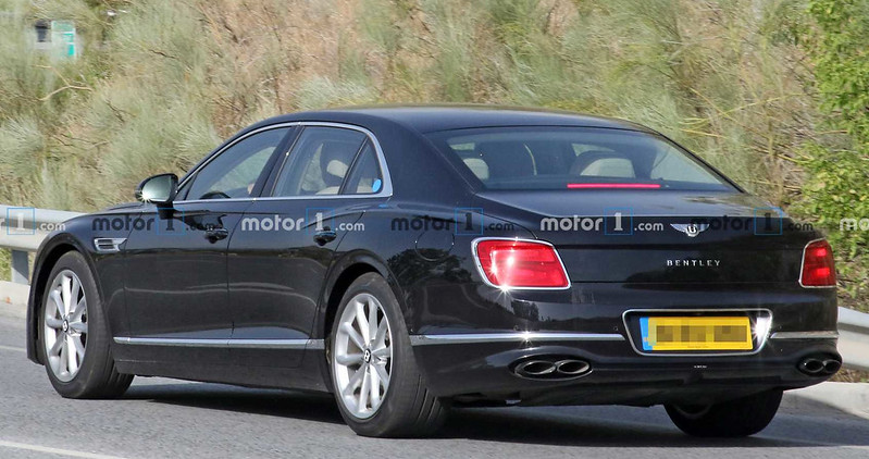 possible-bentley-flying-spur-speed-spy-photo (1)