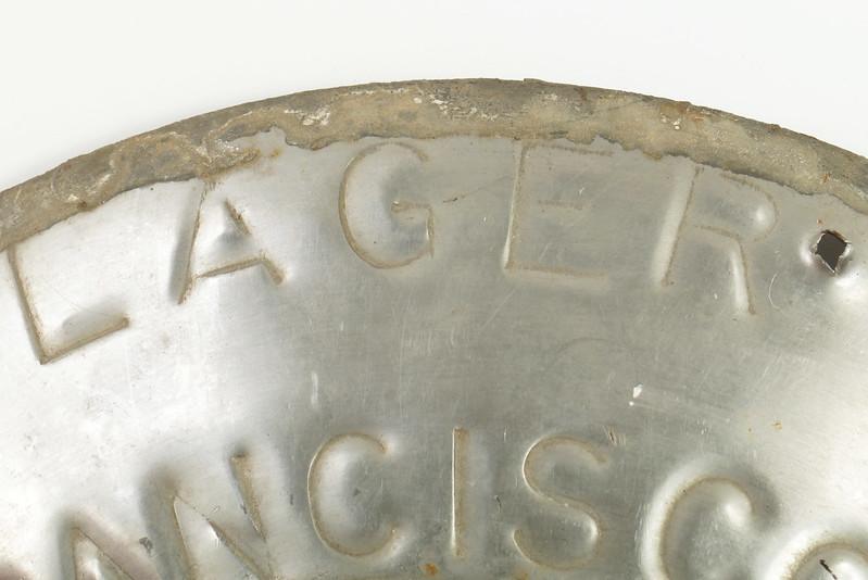 RD30720 Vintage Lucky Lager Brewing Co. Metal Keg Seal San Francisco AZ CAL USA DSC09155