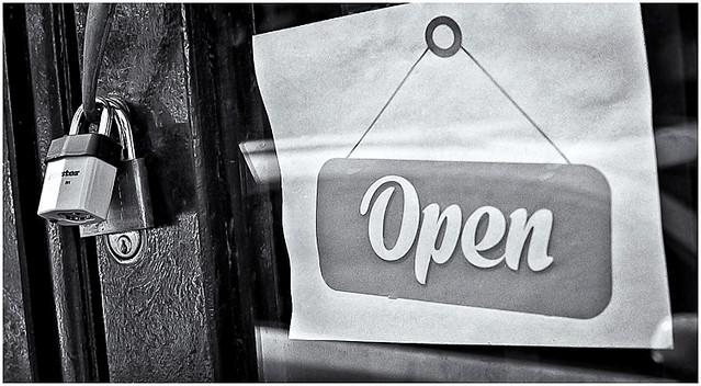 Open (Abierto)