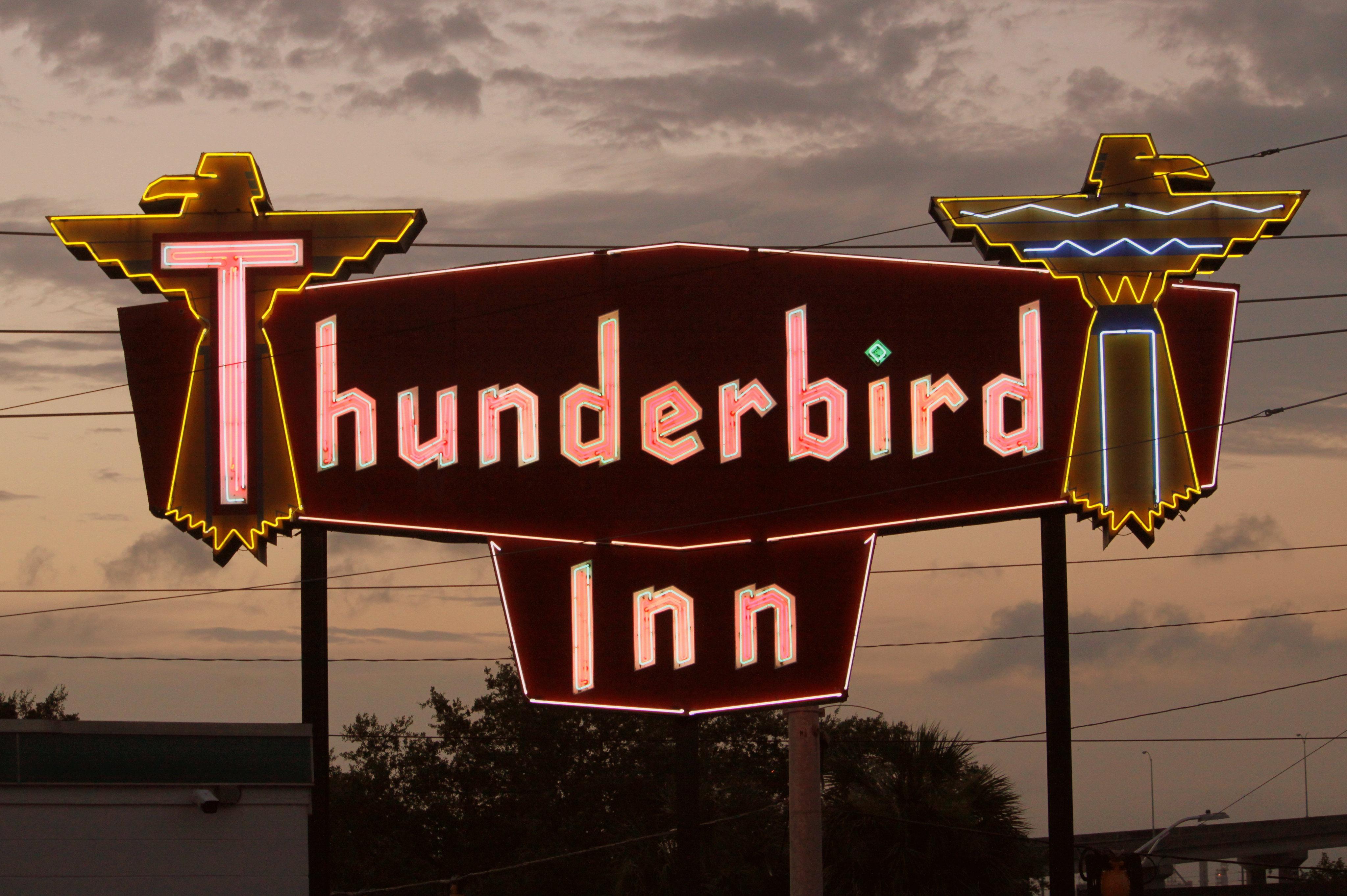 Thunderbird Inn – 611 West Oglethorpe Avenue, Savannah, Georgia U.S.A. - June 10, 2020