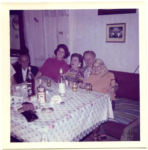 ArchivTappenX771 Album u, Familienfeier in der Wojwodina, 1970er