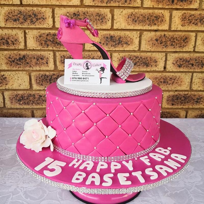 Cake by OraMi Cakes