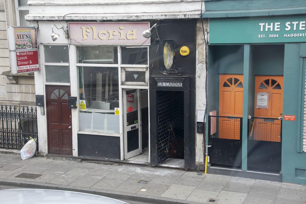 DSC_4930 London Bus Route #243 Dalston 232 Kingsland Road La Cabina Late Night Cocktail Bar and Floria Ali's Kebab House