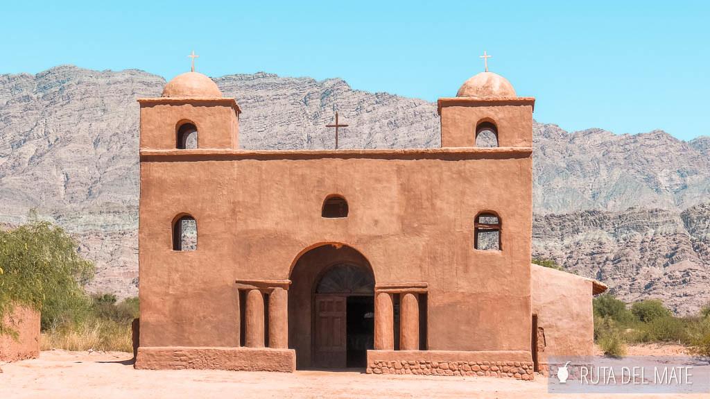 Iglesia de Andacollo, en la Ruta del Adobe en Catamarca