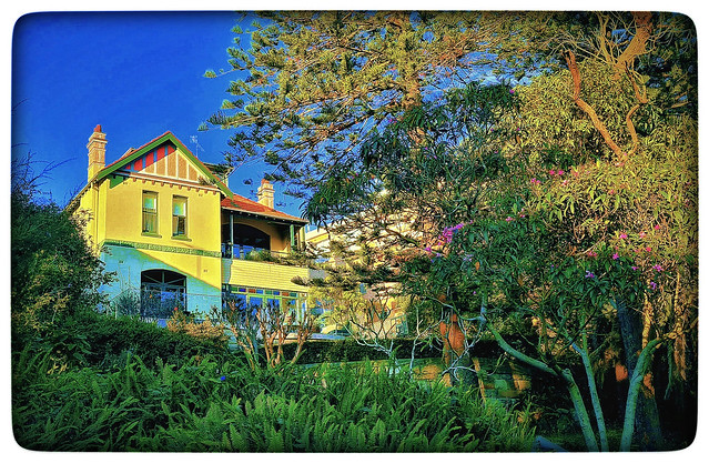 The yellow house at Fairlight, Sydney
